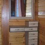 """Мебель для спальни. Туалетный столик-тумба с выкатными ящиками. Зеркало в рамке ЛДСП. Материал ЛДСП цв.""""Эбони"""", ручки Gamet."""