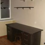 """Офисная мебель. Рабочий стол, полки навесные. Материал ЛДСП Lamarty цв.""""Венге темный""""."""